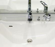 洗面所の排水口が詰まる理由と詰まりにくくする方法