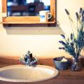 洗面化粧台の主な3つの材質の、交換が必要なトラブル事例とは