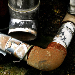 水道管が詰まるトラブルの原因