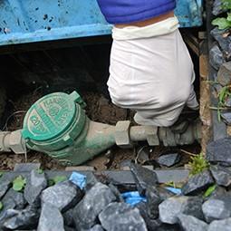 蛇口の修理をする前に、まずは元栓を閉めましょう