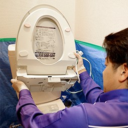 プロによる温水洗浄便座取り替えの流れ