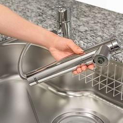一筋縄ではいかない台所や洗面所でのシャワーホース付き水栓
